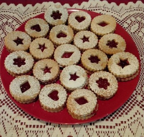 Raspberry Almond Linzers